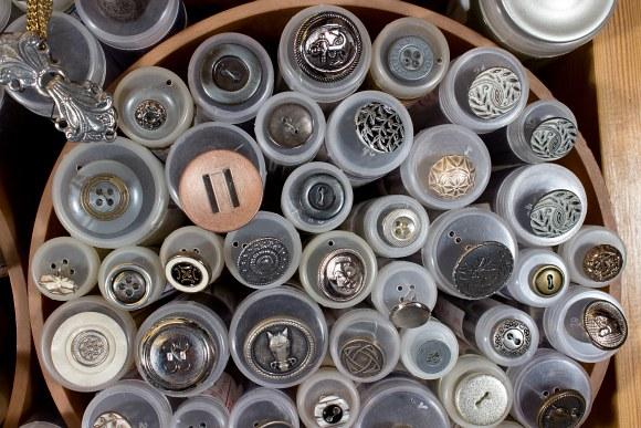 Metal buttons 3