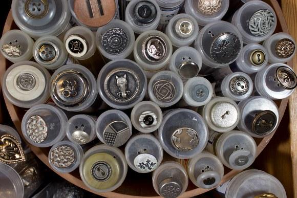 Metal buttons 6