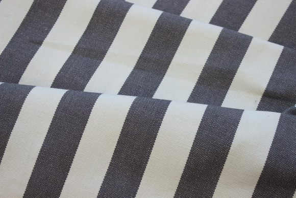 White sunchair fabric grey stripes, 4 cm stripes
