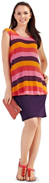 T-shirt and skirt as maternity wear.