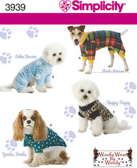 Dog clothes in three sizes. Simplicity 3939.