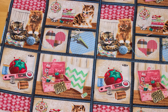 Patchwork-cotton with cute cats