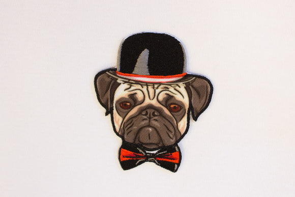 Dog with a bowlerhat 8x6cm
