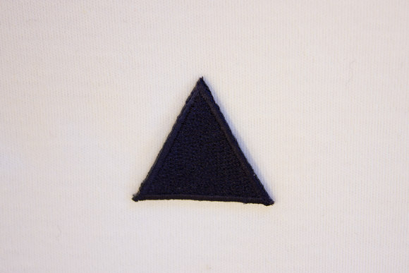 Navy triangle patch 3cm