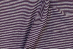 Medium-thickness, dusty-purple linen and cotton with ca. 5 mm stripes on langs