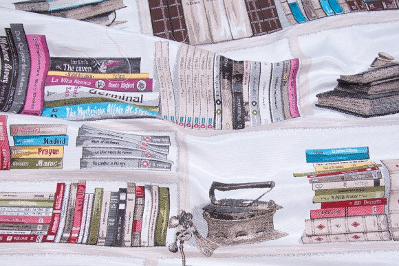 White gobelin with beautiful book weave