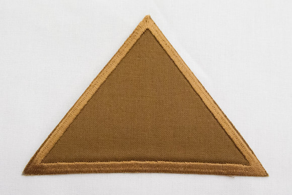 Triangle brown 8x11cm