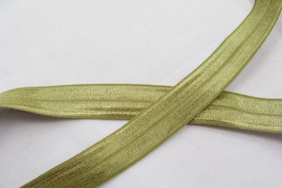Elastic bias drape in light olive-green 2cm