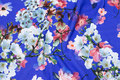 Clear blue cotton-jersey with blomstrende grene