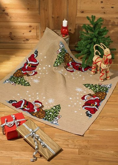 Christmas tree skirt, square, elfs by the tree