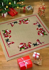 Christmas tree skirt, sqaure, with flok of elfs. Permin 45-2218.