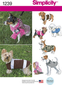 Dog Coats in Three Sizes. Simplicity 1239.