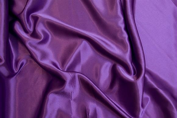 Crepe sateen in purple