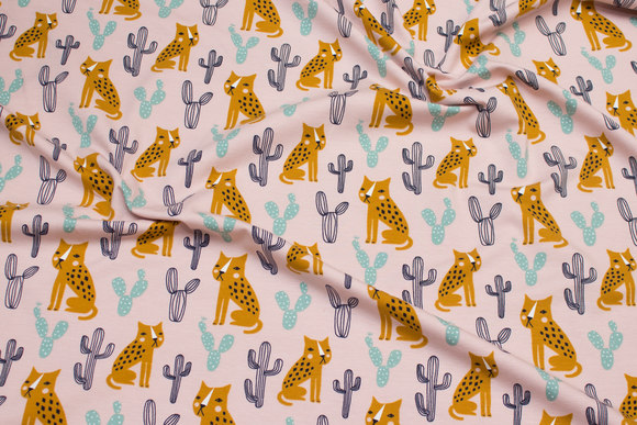 Dusty old rose organic cotton-jersey with brass-colored cheetas