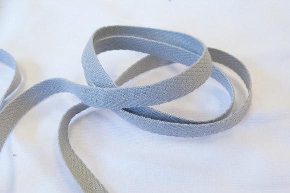 Herringbone woven cotton tape light grey 1 cm