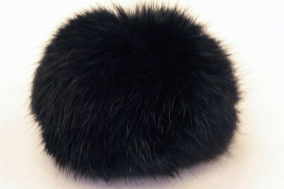 Fur pompon, black