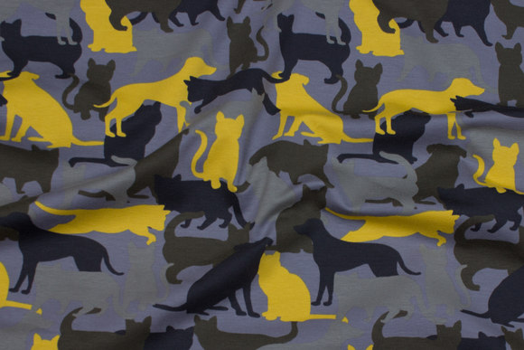 Grey cotton-jersey with yellow, army-colored and black cats and dogs