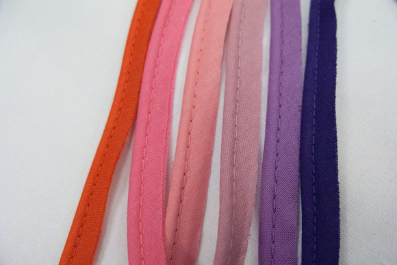 Piping cotton red/purple colours