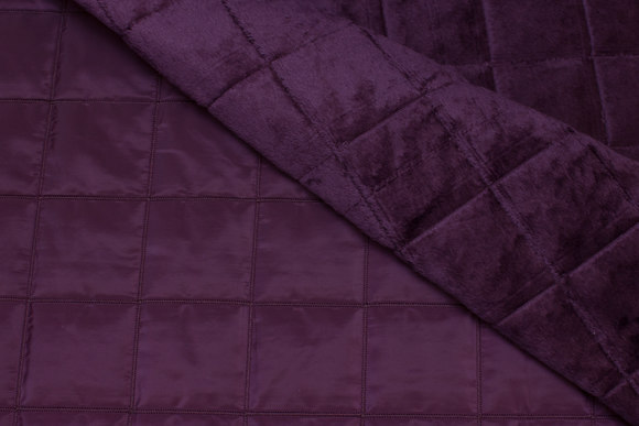 Eggplant-colored coated quilt with fake fur back