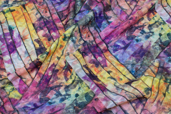 Halv-transparent chiffon in purple and yellow colors