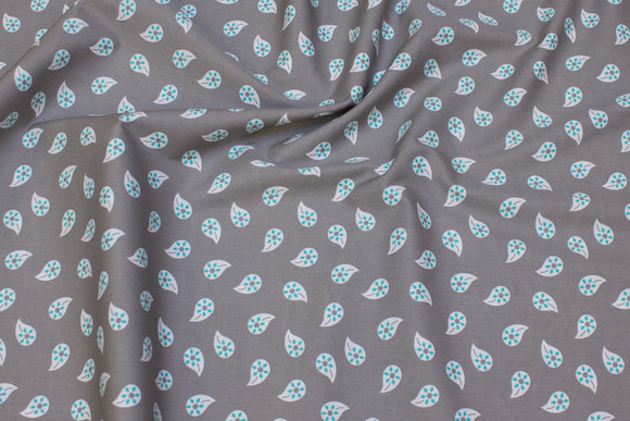 Light grey, woven cotton with turqoise 25 mm leaf-pattern