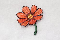 Patch flower red 4 x 3 cm