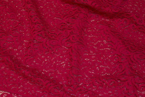 Red lace in cotton and polyamide