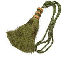 Beautiful, olive-green gardin-tassel with wooden deco, ca. 25 cm long