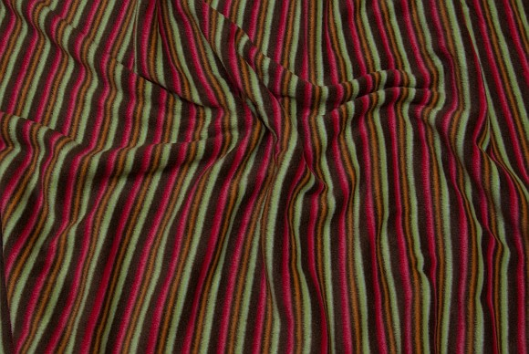 Antipiling fleece with stripes in green, brown and red