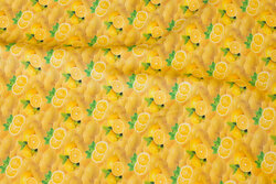 Cotton-poplin with ca. 15 mm lemons