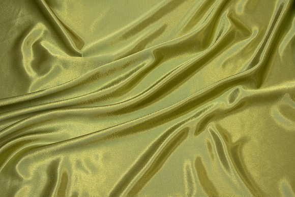 Crepe sateen in kiwi color