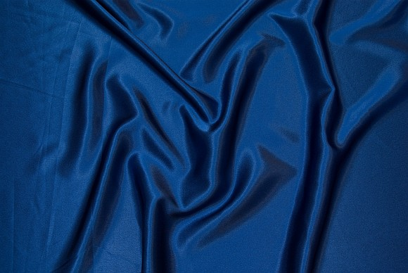 Crepe sateen in royal blue