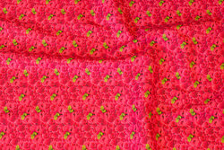 Red and pink cotton-poplin with ca. 1 cm rasberry