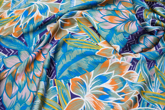 Thin and airy polyester-satin in blue and green nuances