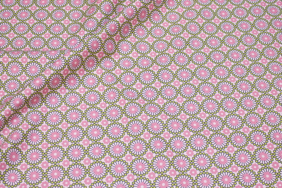 Cotton with retro-pattern in soft red and green
