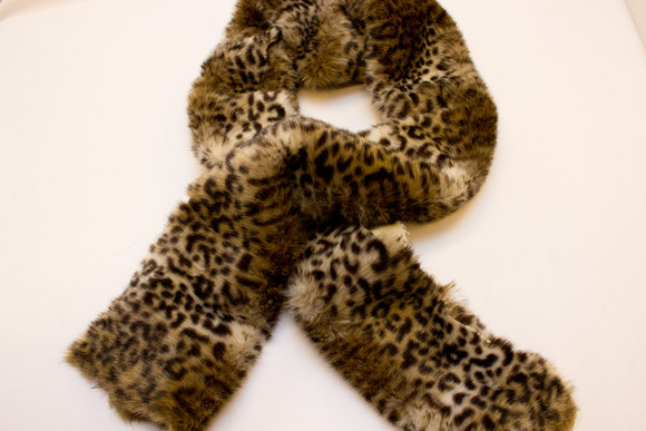 Faux leopard fur 20 x 150 cm for decoration and collars