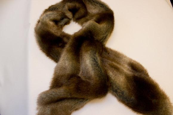Faux reindeer fur 20 x 160 cm for decoration