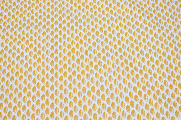 White cotton with 2 cm dark yellow feather-pattern
