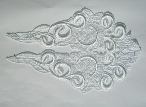 Spachtel trim, white lace ornament