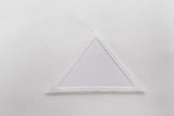Triangle white 4x6cm