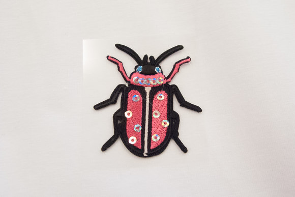 Pink bug with sequins 4x3cm
