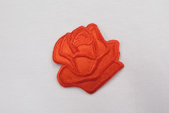 Red rose patch size 3,5 cm