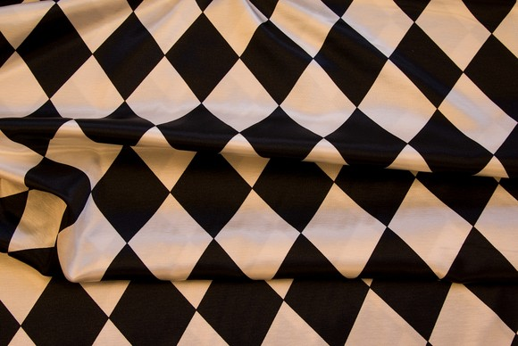 Harlekin satin in black-white