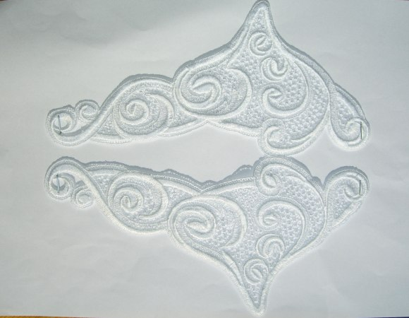 Spachtel trim, white lace ornament no. 2