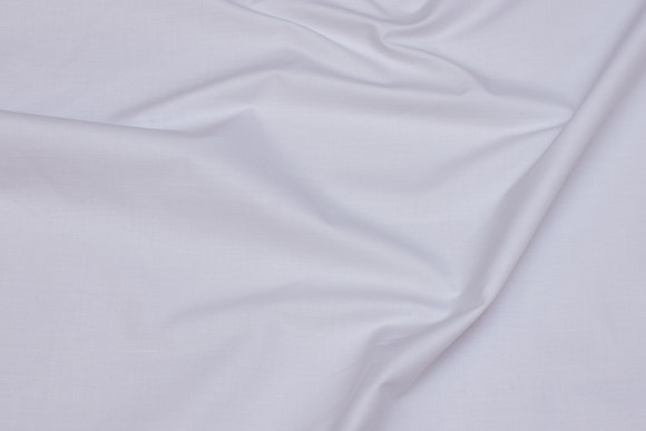 White linen in cotton and polyester