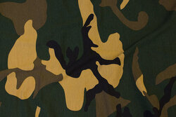 Cotton-jersey in camouflage pattern in green, black and beige