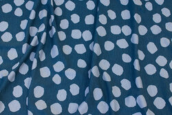 Dusty blue viscose-jersey with ca. 2 cm lighter dots