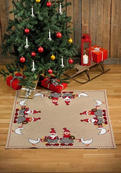 Christmas tree skirt, square, elf dad and mom with geese