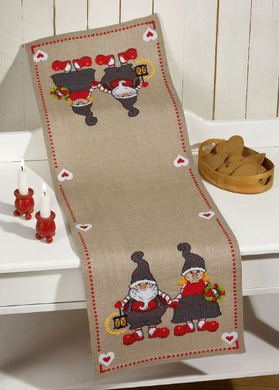 Christmas table runner with elf couple