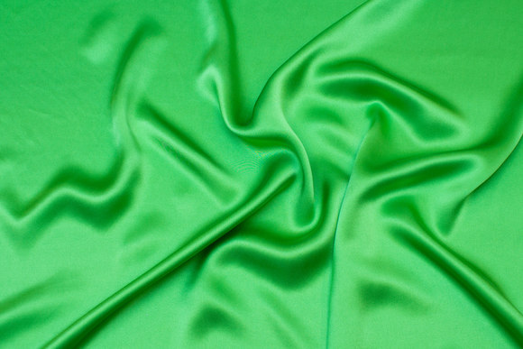 Sandwashed grass green silk